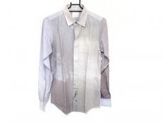 タロウホリウチのシャツ