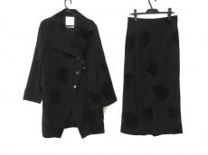 ケイコキシのスカートスーツ