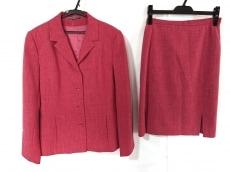 キャロルのスカートスーツ