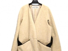 アンスクリアのコート