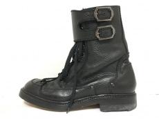 クリスヴァンアッシュのブーツ