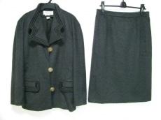 ミラショーンのスカートスーツ