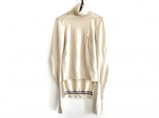 イントゥーカのセーター