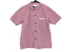 イールのシャツ