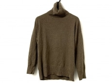 ルピボットのセーター