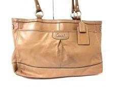 COACH(コーチ)のパーカー レザー キャリーオールのショルダーバッグ