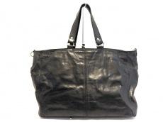 クリードのハンドバッグ