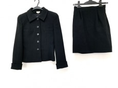 フォクシーのスカートスーツ