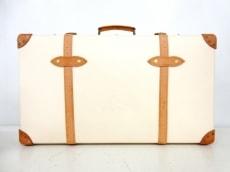 グローブトロッターのサファリ 30インチ エクストラディープスーツケース