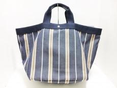 エフクリオのハンドバッグ