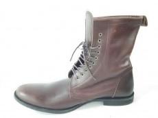 ファクトタムのブーツ