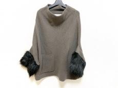 アダワスのセーター