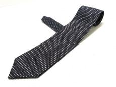 コンプリートのネクタイ
