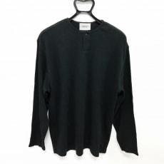 エフオージーエッセンシャルズのTシャツ