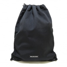 バレンシアガのエクスプローラー ドローストリングバッグ