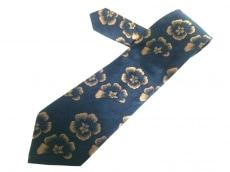 ウンガロのネクタイ