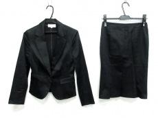 エムプルミエのスカートスーツ