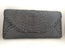 コブラの長財布