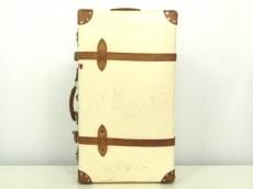 グローブトロッターのサファリ 28インチ エクストラディープスーツケース