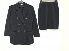 フォクシーラビッツのスカートスーツ