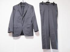 メンズビギのメンズスーツ