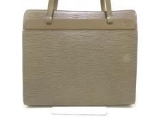 LOUIS VUITTON(ルイヴィトン)のクロワゼットPMのショルダーバッグ
