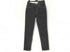 ブラックバイマウジーのジーンズ