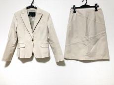 リフレクトのスカートスーツ