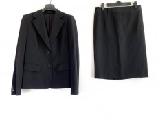 バーバリーロンドンのスカートスーツ