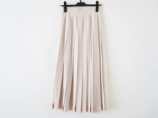 YLEVE(イレーヴ)のスカート