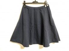 ビームスボーイのスカート