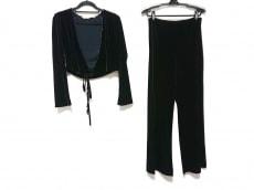 クロエのレディースパンツスーツ