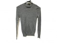 ドロウアーのセーター