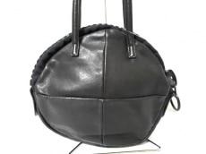 カワカワのショルダーバッグ
