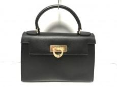 カルボッティのハンドバッグ