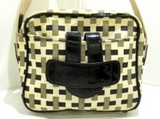 ティラマーチのショルダーバッグ
