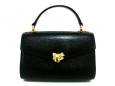 キミジマのハンドバッグ