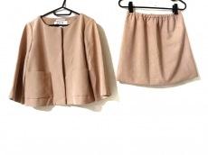 グリードのスカートスーツ