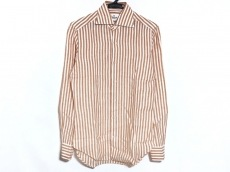 ジャンネットのシャツ