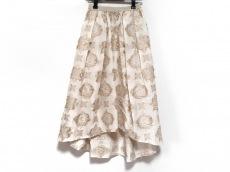 ナインのスカート