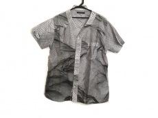 クリストファーケインのシャツ