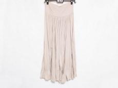 スリードッツのスカート