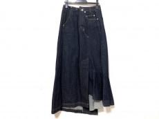 アウラのスカート
