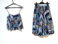 リリーブラウンのスカートセットアップ