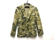 エーケーエムのジャケット