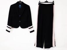 ギルドプライムのレディースパンツスーツ