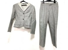 マウリツィオペコラーロのレディースパンツスーツ