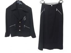 バレンザスポーツのスカートスーツ