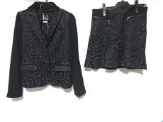 マークバイマークジェイコブスのスカートスーツ