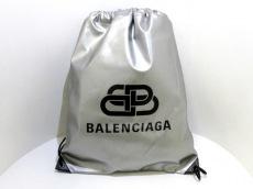 バレンシアガのBBエクスプローラー